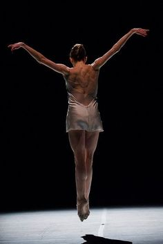 AMAZING to see a dancer's body in motion- New York City Ballet Principal Wendy Whelan  'Restless Creature'