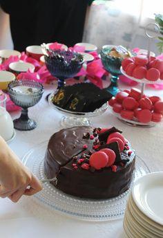 Unelmaa leipomassa: Rippijuhlan suklaakakku