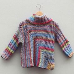 Could be converted to crochet w a granny square. Knitting Stitches, Free Knitting, Baby Knitting, Crochet Coat, Crochet Clothes, Vintage Crochet Patterns, Knitting Patterns, Recycled Dress, Knit Fashion