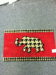 ~ Houndstooth elephant doormat <3