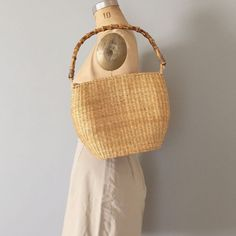 🌸🐚🌾working on Summer collection, 20+ jewelry items will be listed soon, nice sourcing day too :), about 40+ more clothes for the collection; silk, linen, denim, cotton and some pretty summer dresses coming up! (SOLD, jane birkin woven basket purse | bamboo handle zipper woven purse) SHOP now 25% OFF SALE! #adriancompany #summercollection #vintage #vintagecollection #springsummer #vintageclothing #vintagefashion #vintageshopping #vintageshop #janebirkin #janebirkinstyle #parisienne…
