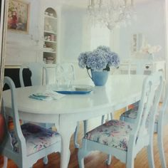 Comforting ensured shabby chic dining room decor Make me a VIP Shabby Chic Dining Room, Shabby Chic Kitchen, Shabby Chic Furniture, Shabby Chic Decor, Dining Room Design, Dining Rooms, Dining Chairs, Furniture Makeover, Sweet Home