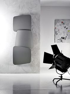 Antrax's prestigious partnerships have made it possible to create designer radiators that not only perform a mere heating function but instead become genuine designer objects capable of furnishing any room, from the bathroom to the living room. Decorative Radiators, Bathroom Fireplace, Warm Bathroom, Hydronic Heating, Designer Radiator, Towel Warmer, Fireplace Design, Heating Systems, Scandinavian Design