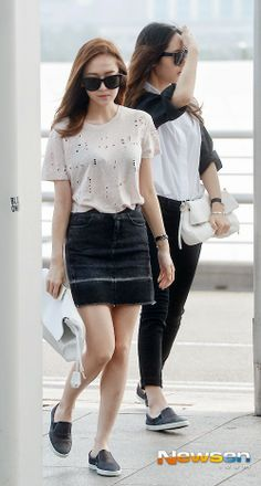 Jungsis  // Airport Fashion