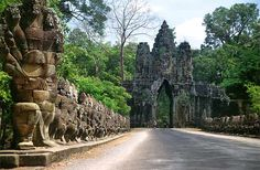 Angkor Thom located in present day Cambodia, was the last and most enduring capital city of the Khmer empire. Historical Monuments, Historical Sites, Monument In India, Student Tours, Cambodia Beaches, Angkor Wat Cambodia, Khmer Empire, Vietnam Tours, Borobudur