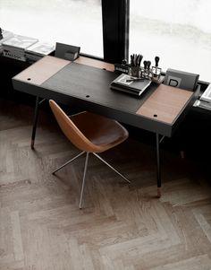 Cupertino pracovní stůl tmavý