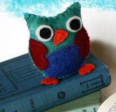This Wise Mr. Owl Craft would make a lovable stuffed toy for your kids or grandkids. This tutorial includes free printable patterns so you can easily make this cute little critter.