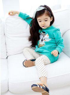 Lauren Hanna Lunde 2014 - More info Little Babies, Cute Babies, Little Girls, Lauren Lunde, Young Fashion, Kids Fashion, Kids Outfits, Cute Outfits, Ulzzang Kids