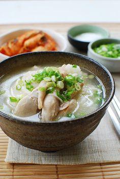 Korean Bapsang: Dak Gomtang (Korean Chicken Soup)