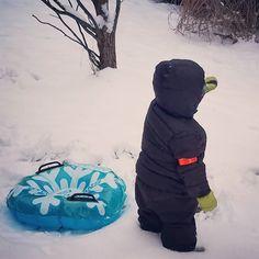 No way is it a #pajamaday when you can #play in the #snow instead! #snowday #wedontalwayswearpjs #mostdaysweactuallygetdressed #westilllovepajamadays #pajamamamamorningonly #pajamamamamonday #itswednesday #anydaypajamaday #jammiedaddiestoo #allpjpals #erinecarter #childrensbooks #newbookcomingsoon #eifrigpublishing