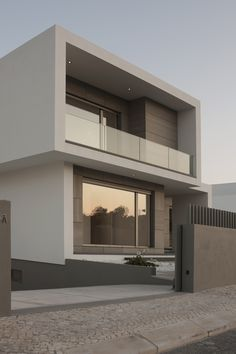 Gallery of Paulo Rolo House / Inspazo Arquitectura - 9 Architecture & Interior Design - Modern Surfaces Modern House Design, Modern Interior Design, Minimalist Home Design, Box House Design, Modern House Facades, Luxury Interior, Contemporary Architecture, Interior Architecture, Contemporary Design