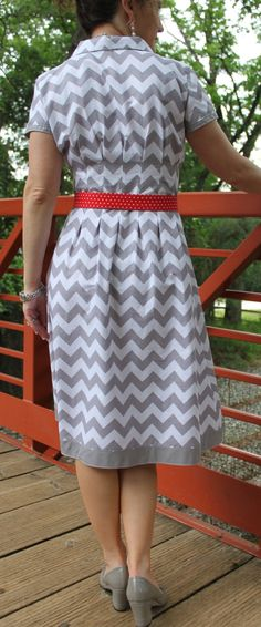 New twist on a classic dress!  Ich konnte bei einem so schönen Schnittmuster nicht widerstehen!