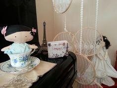 Chá com bonecas