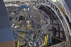 """Inician la construcción del telescopio más grande del mundo en Chile En la cumbre del cerro Armazones, en el árido desierto del norte de Chile, la presidenta Michelle Bachelet colocó el viernes la """"primera piedra"""" para la construcción del telescopio más grande del mundo; que permitirá estudiar agujeros negros, galaxias y materias insospechadas.  http://wp.me/p6HjOv-3Ys ConstruyenPais.com"""
