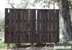 Super cheap wooden pallets turned to a privacy fence/wall! ~ Southern Revivals ~