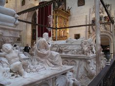 Royal Chapel: tombs of Isabel of Castile and Ferdinand of Aragon, the Catholic CAPILLA REAL - Monarchs (right) and Juana la Loca and Philip the Handsome (left, off screen). In the crypt are also the remains of the child Prince Michael of Portugal. Monuments, Famous Historical Figures, Granada Spain, Effigy, Ferdinand, Archaeology, Catholic, Medieval, Cathedral