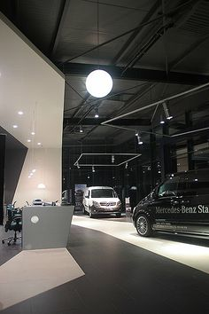 Amenajare interioara Showroom Mercedes. Showroom Mercedes Benz interior design Architect: mfprofil + ic architecture