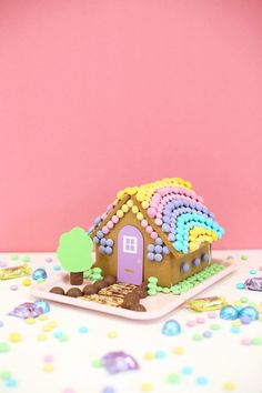 DIY Easter Bunny Gingerbread House Lovely Indeed - Yoga Easter Candy, Hoppy Easter, Easter Treats, Easter Food, Easter Brunch, Easter Recipes, Diy Osterschmuck, Christmas Gingerbread House, Gingerbread Houses