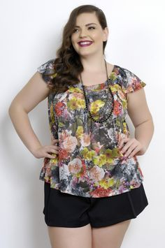 Blusa Plus Size Flores do Meu Jardim