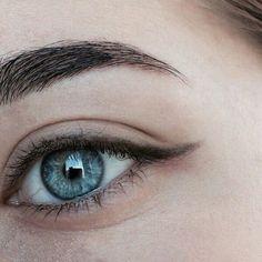Blue Eyes Aesthetic, Aesthetic Girl, Ocean Blue Eyes, Character Aesthetic, Wattpad, Characters, Celestial, Lady, Makeup