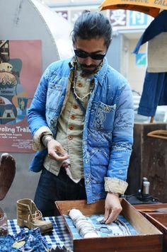 In November designer Hiroki Nakamura initiated his pop up market flea contributing his label Visvim through out several cities across Japan. Denim Vintage, Diy Vetement, Tommy Ton, Mode Jeans, Best Mens Fashion, Sharp Dressed Man, Japanese Fashion, Japanese Denim, Denim Fashion