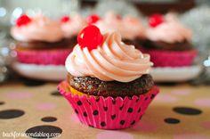cupcake   Cupcake de cereja Papel de Parede - Wallpaper