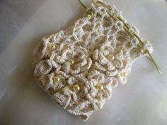 Cotton Lover's Bridal Purse - free pattern; thanks!