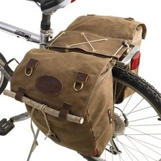 Frost River 384 Highway 1 Panniers bike bag on bike photo. If I make all the grocery runs can I have? Bike Panniers, Mtb Shoes, Mountain Bike Shoes, Mountain Biking, Bicycle Bag, Cool Bike Accessories, Bike Reviews, Waxed Canvas, Highway 1