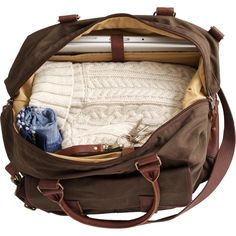 weekender bag in brown