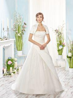 Mooie A-lijn  bruidsjurk van Lisa Donetti