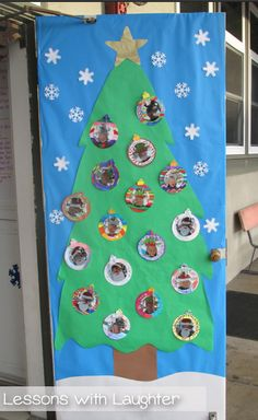 Christmas in the Classroom! - Lessons With Laughter Christmas in the Classroom! Christmas in. Preschool Door, Preschool Christmas, Toddler Christmas, Christmas Activities, Preschool Winter, Christmas Door Decorating Contest, Christmas Door Decorations, Christmas Themes, Daycare Crafts