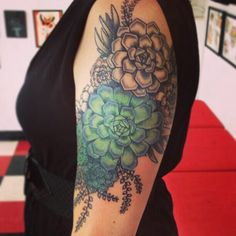 Pretty flower quarter sleeve