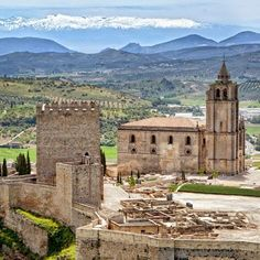 Fortaleza de la Mota, Alcalá la Real (Jaén), by @tu_historia