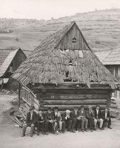 Sunday in Slovak village, 1964 (Juraj Šajmovič) Old Pictures, Old Photos, Cultural Architecture, Wooden Architecture, Old Photographs, Most Visited, Culture, Landscape, World