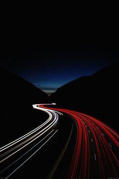 FreeiOS7 - me83-street-car-lights-night - http://bit.ly/1O2l025 - freeios7.com