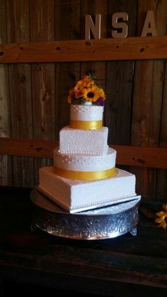 Wedding Cake Flowers By Annies Floral Boutique Augusta Ga At Pine Hills  Farms