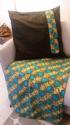 "PARURE DE LIT ""DOMINA"" EN WAX POUR 2 PERSONNES : Textiles et tapis par femmeaucauri African Crafts, African Home Decor, African Interior Design, African Design, African Furniture, Ethnic Decor, Ankara Designs, Handmade Cushions, Inspired Homes"