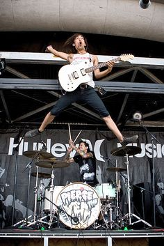 I've been having this dream that we can flyyyyyyy!!(: haha well Vic..mission accomplished(: