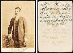 """Retrat de José Luis Hernandez, 4rt maquinista del vapor """"Habana"""", Compañía Trasatlántica Española"""". 1891. Foto: J. A. Suarez y Cia.  Donació: M. Brull Gonzalez. MMB 72680F Cuban Cigars, Pictures"""