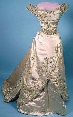 1900 House of Worth ball gown. Oh my.....                                                                                                                                                      More                                                                                                                                                                                 More