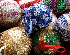 Pretty sequin ornaments.  No link to instruction, just pic for idea.