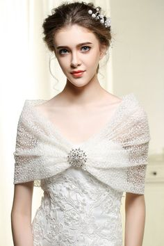Nero Women's Wedding Wraps and Shawls for Bride, Bridal Lace Bolero with Brooch (S-m)