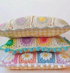 Croché, tricô e outras artes.: Almofadas Coloridas de Croché - Sem Gráfico