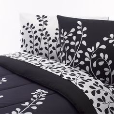 Black and White Vine #Comforter Set. Just can't keep this one around, keeps flying off the shelves!    Comforter- $39.95 #college #dorm #dormlinens #dormroom