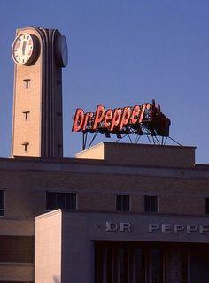 Mockingbird Ln. Dallas Tx Jan. '83 via flick.com