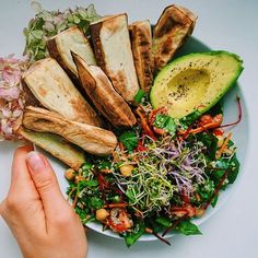 """nourishingfoods: """"All the favourites together 👉 Sweet potato, avocado, quinoa spinach salad. 🌿 I'm jealous of all the people who can actually see the supermoon. I love big moons so much, I always get too excited when I see them🌚😂 """" Healthy Habits, Healthy Snacks, Healthy Eating, I Love Food, Good Food, Yummy Food, Tasty, Brunch, Food Inspiration"""
