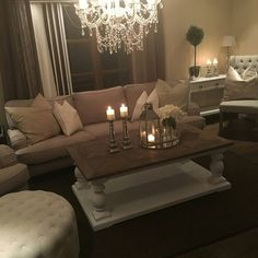 """Dubai salongbord"" passet perfekt i den nydelige stuen til @9na90 @classicliving #classicliving #drivved #Dubaisalongbord #resirkulerttre #Stuemøbel #vakrehjem #interior #livingroom #coffeetable #salongbord #interiorinspiration"