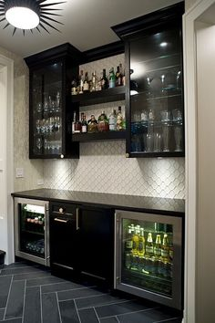Mini bar in the basement with slate herringbone tile, starburst light, dark clea. Minibar im Basement Bar Designs, Home Bar Designs, Wet Bar Designs, Cool Basement Ideas, Dark Basement, Basement Layout, Rustic Basement, Modern Basement, Walkout Basement