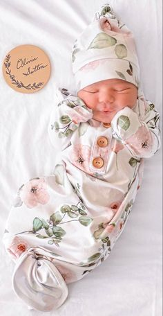 Cute Baby Girl, Cute Babies, Baby Pictures, Baby Photos, Baby Mine, Newborn Girl Outfits, Dream Baby, Bitty Baby, Baby Puppies