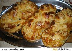 Mini vánočky recept - TopRecepty.cz Pie Cake, Cauliflower, Shrimp, Fries, Meat, Baking, Vegetables, Recipes, Food